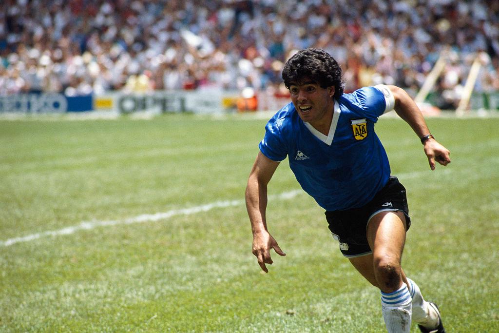 Cine a fost Diego Maradona. A adus Argentinei Cupa Mondială aproape de unul singur