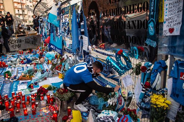"""Doliu în întreaga lume după moartea lui Maradona. """"Era un artist. Putea vedea prin oameni"""""""