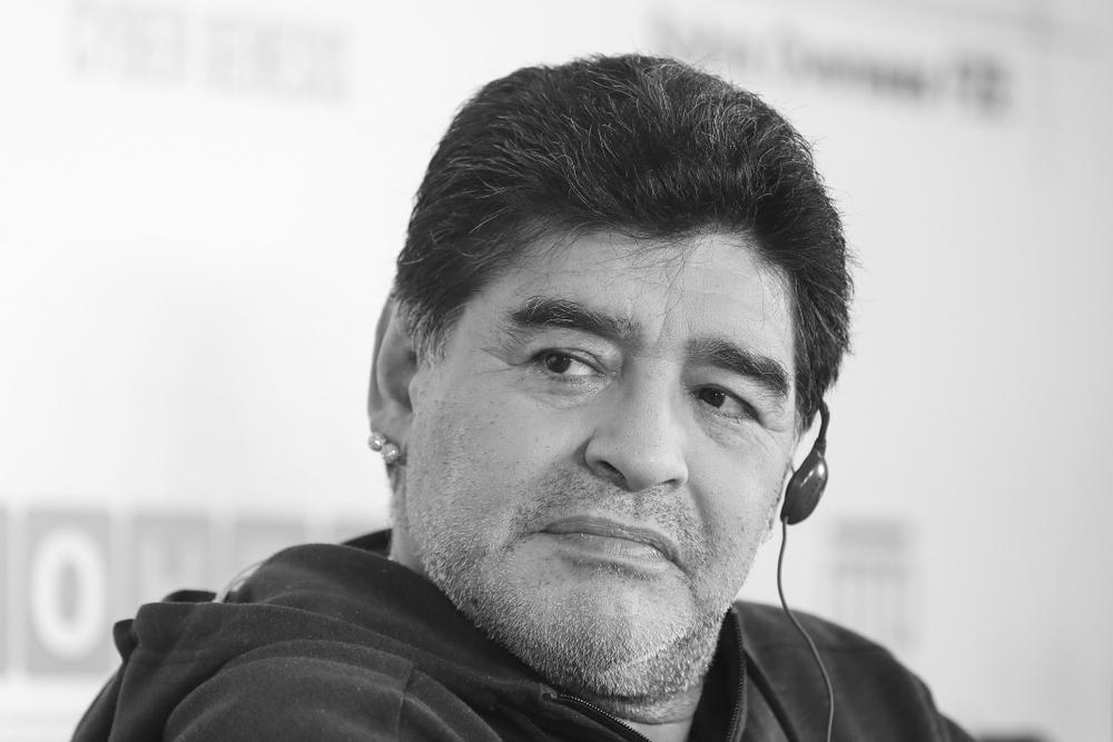 Percheziţii la locuinţa psihiatrului care l-a tratat pe Maradona. Ce vor să afle anchetatorii