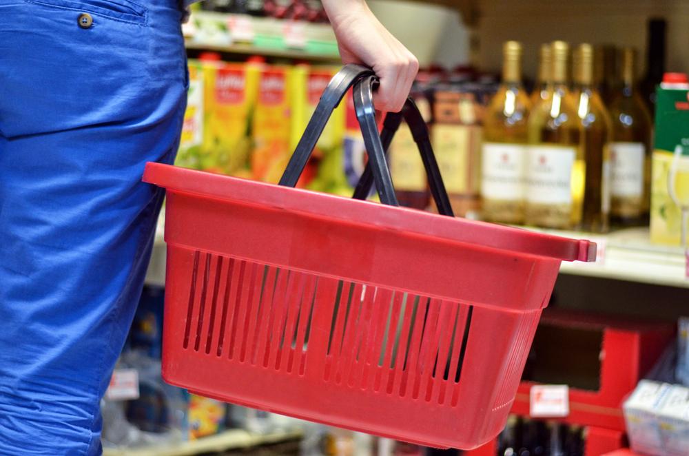 Noi măsuri în Argeș: fără coșuri de mână şi limitarea cărucioarelor în magazine