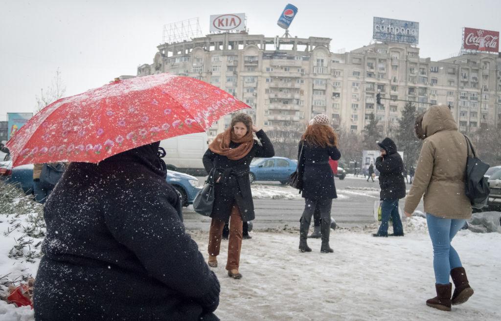 Vremea astăzi, 26 ianuarie. O zi mohorâtă cu ploi şi lapoviţă în sudul ţării şi ninsori în zonele de munte
