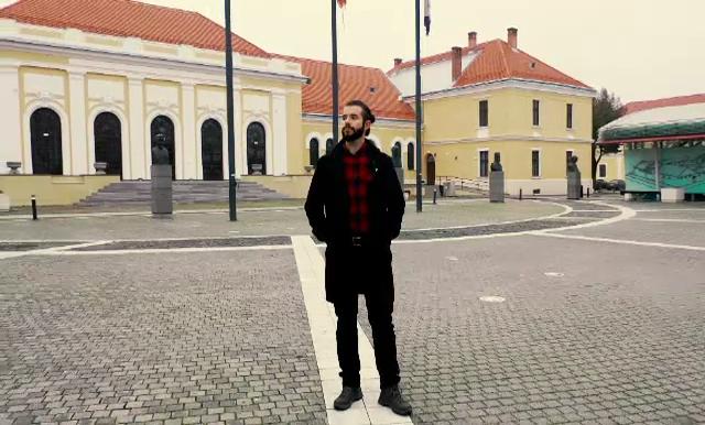 """Tânărul întors din SUA la Alba Iulia, unde vrea să schimbe viața cetății: """"Libertatea vine cu multă asumare"""""""