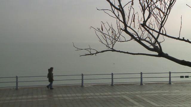 Vremea azi, 9 decembrie. Se încălzește în toată țara și vin ploile