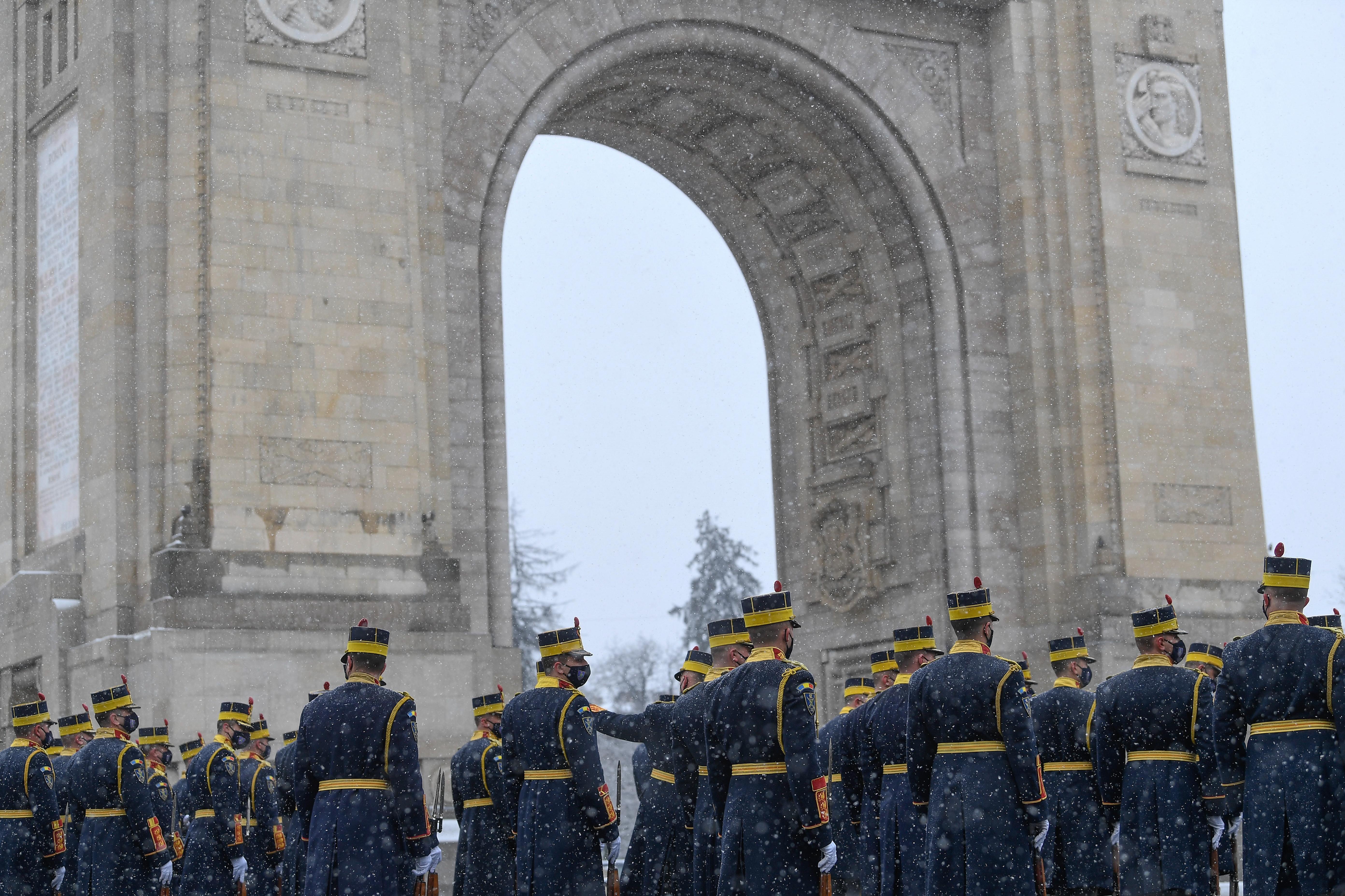 Repetiție pentru parada militară de 1 Decembrie