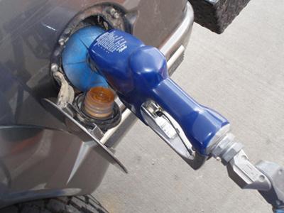 Motorina a ajuns mai scumpa decat benzina. Cum explica Petrom majorarile