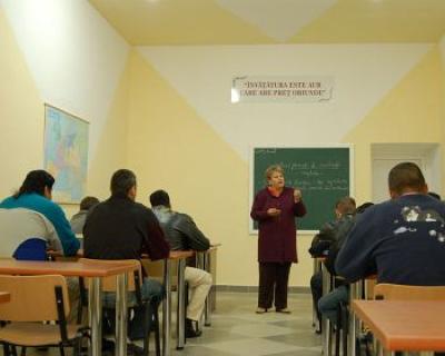 Detinutii din Satu Mare au inceput scoala. Afla cum arata prima zi de scoala in penitenciar