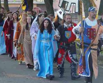 Mii de turisti, domnite si cavaleri vor impanzi Sighisoara la festivalul de Arta Medievala