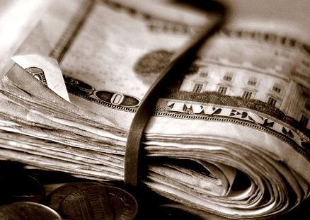Dolarul, valuta anului! Moneda americana depaseste 3 lei