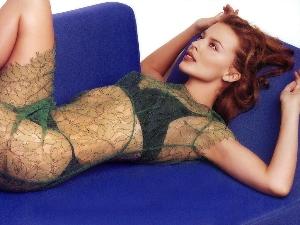 Kylie Minogue, in portjartier pe net = 350 de milioane de accesari!