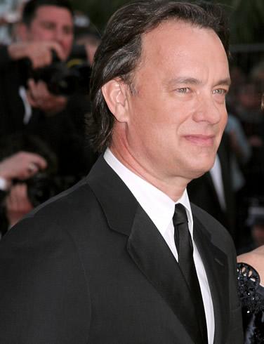 Tom Hanks s-a trezit cu o galeata de apa in cap in timpul unei emisiuni!