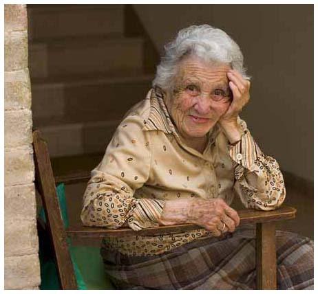 La 102 ani,vorbeste pe Skype cu 5 nepoti,13 stranepoti si 8 stra-stranepoti