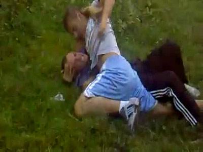 Local kombat la iarba verde: pentru bani, dar si pentru fani! VEZI VIDEO!