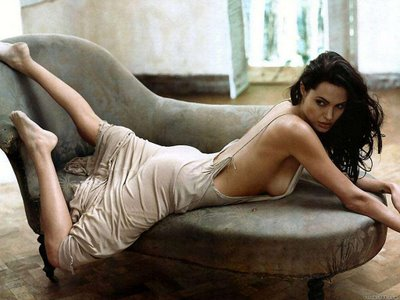 50 Cent o vrea pe Angelina Jolie! In pat!