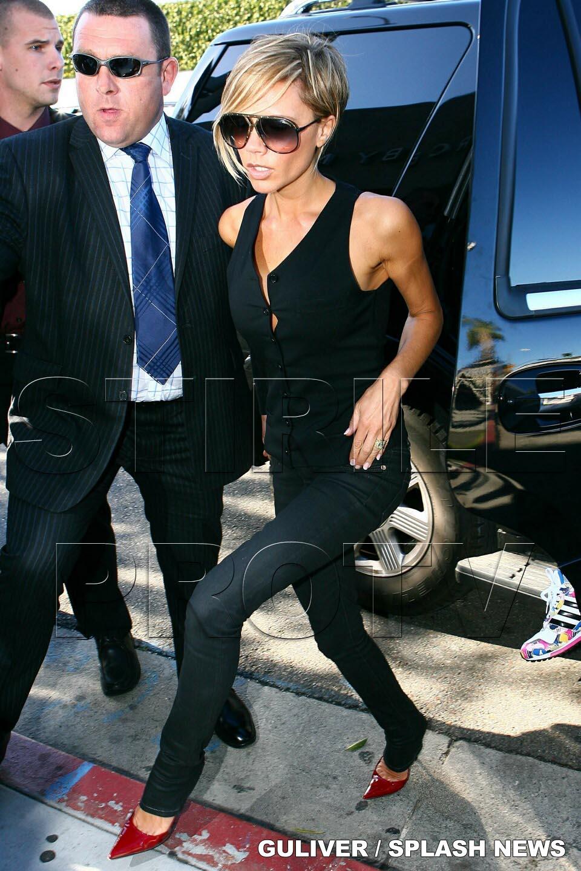 Victoria Beckham stramba din nas la mancarea din avion