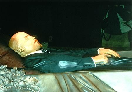 Lenin a murit de sifilis, nu de atac de cord, cum se credea initial