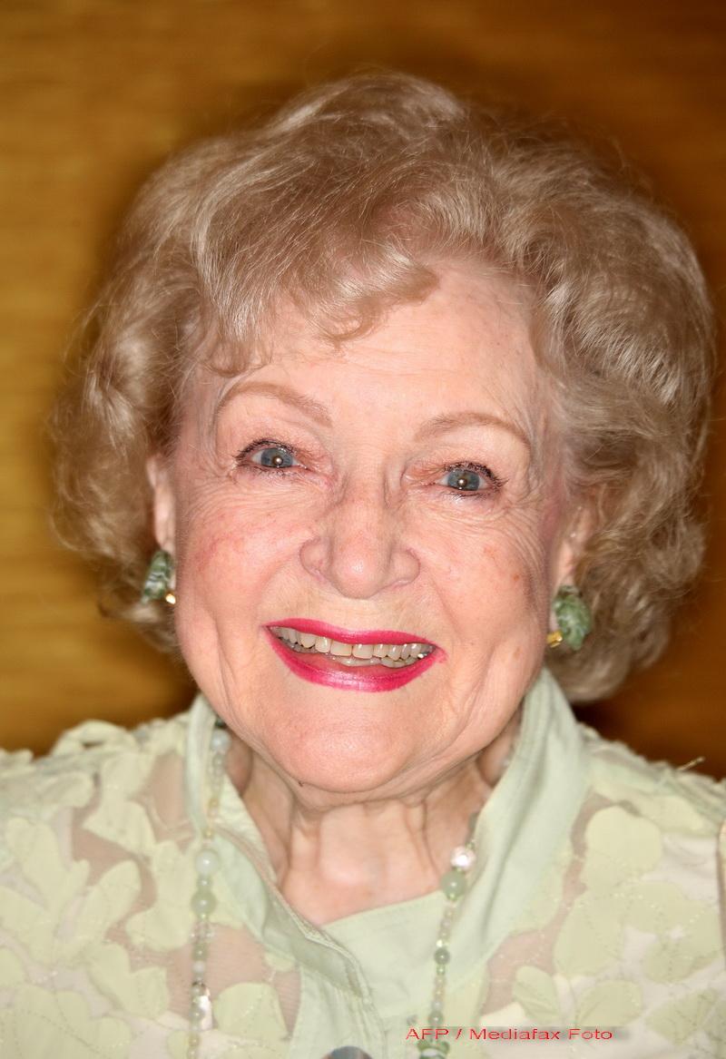 La 88 de ani, Betty White ar vrea o noapte de amor cu Robert Redford