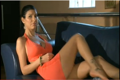Andreea Tonciu se plictiseste! Ce ii propui sa faca? SEXY VIDEO