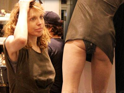 Courtney Love, la cumparaturi, cu chilotii la vedere. Urata priveliste
