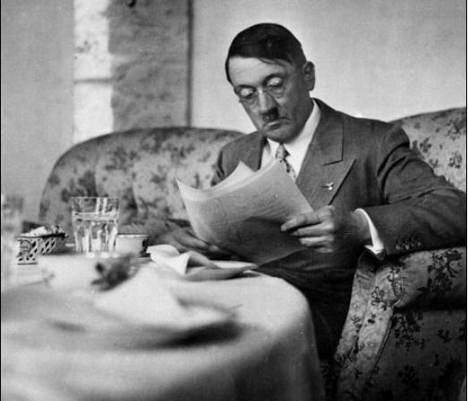 Cat valoreaza secretul rusinos al lui Adolf Hitler