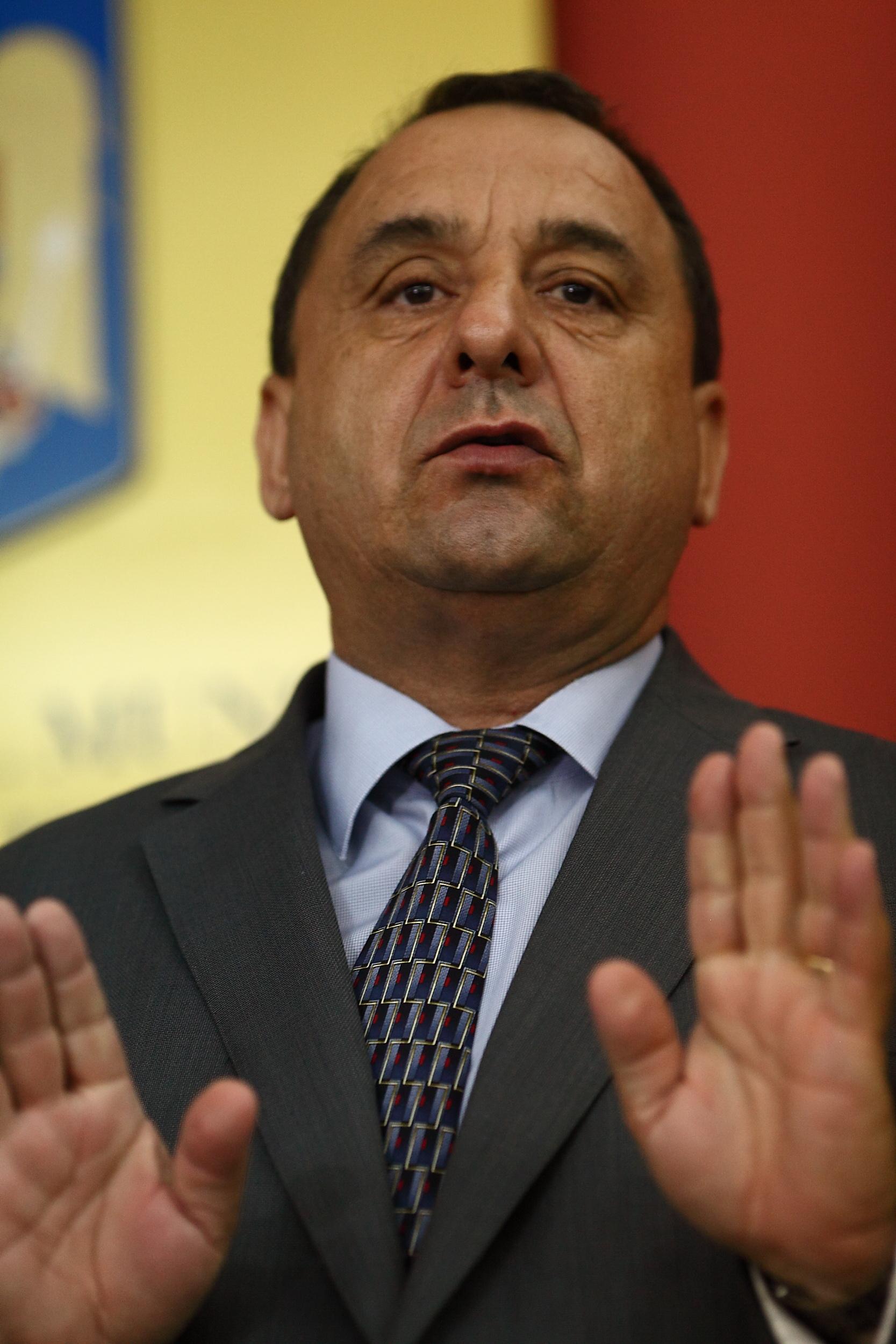 Prins cu o mita de 82.000 de lei, fostul sef al ANOFM, Silviu Bian, cere sa fie eliberat