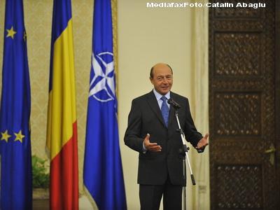 Presedintele Traian Basescu cere Parlamentului sa adopte urgent doua proiecte de lege