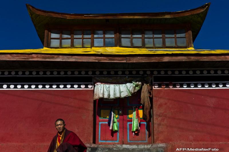 Un calugar tibetan si-a dat foc, protestand astfel fata de ocupatia chineza
