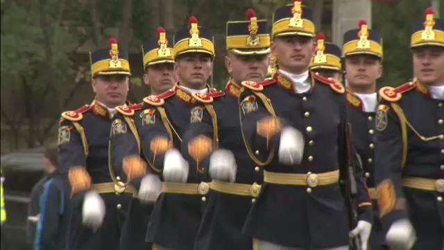 Ziua Armatei: parada cu torte in centrul Capitalei