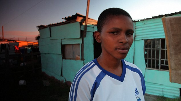 Violul ca terapie. O lesbiana din Africa de Sud a fost abuzata pentru a fi