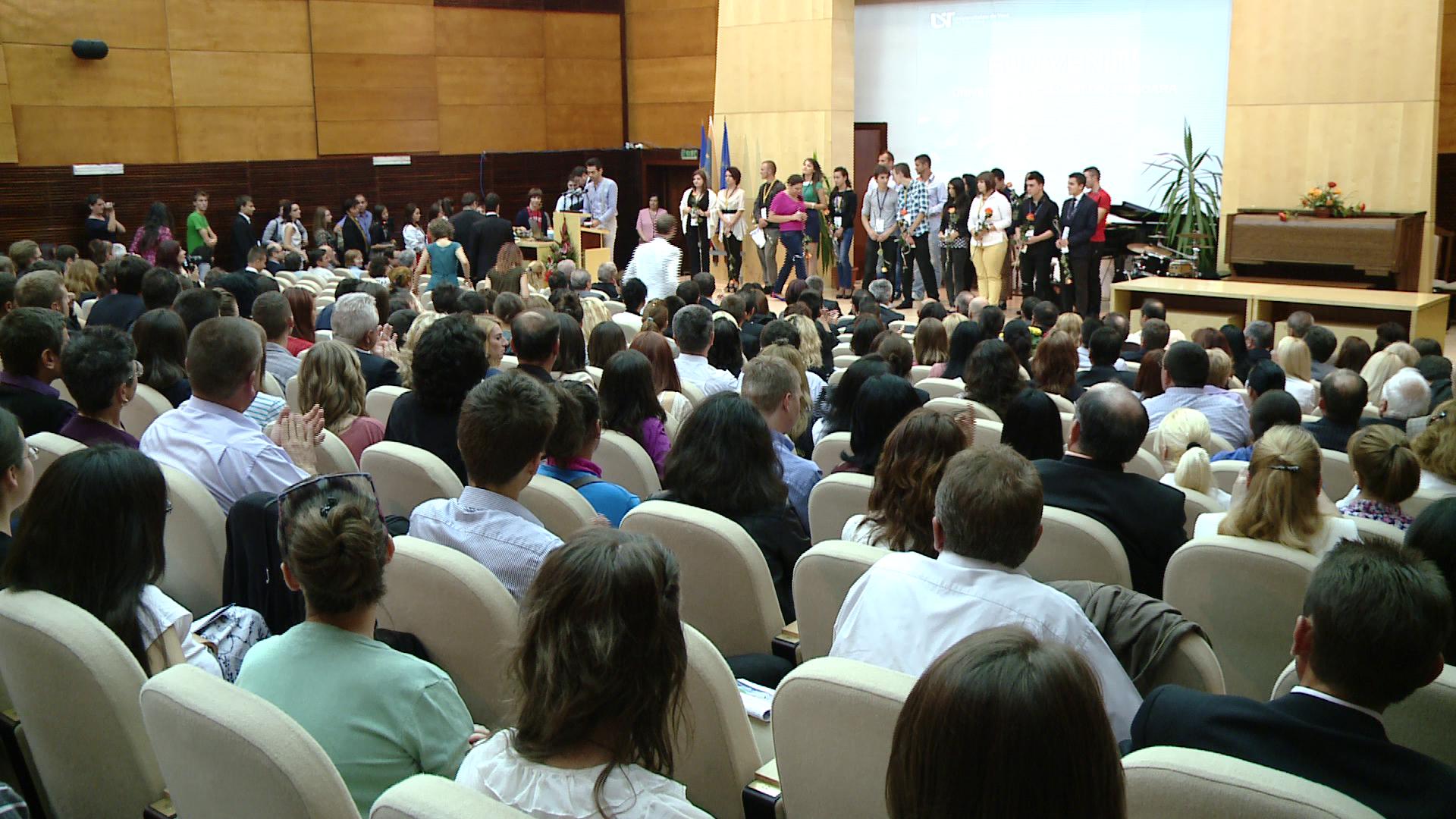 Festivitate de deschidere la Universitatea de Vest. 18.000 de studenti vor incepe cursurile