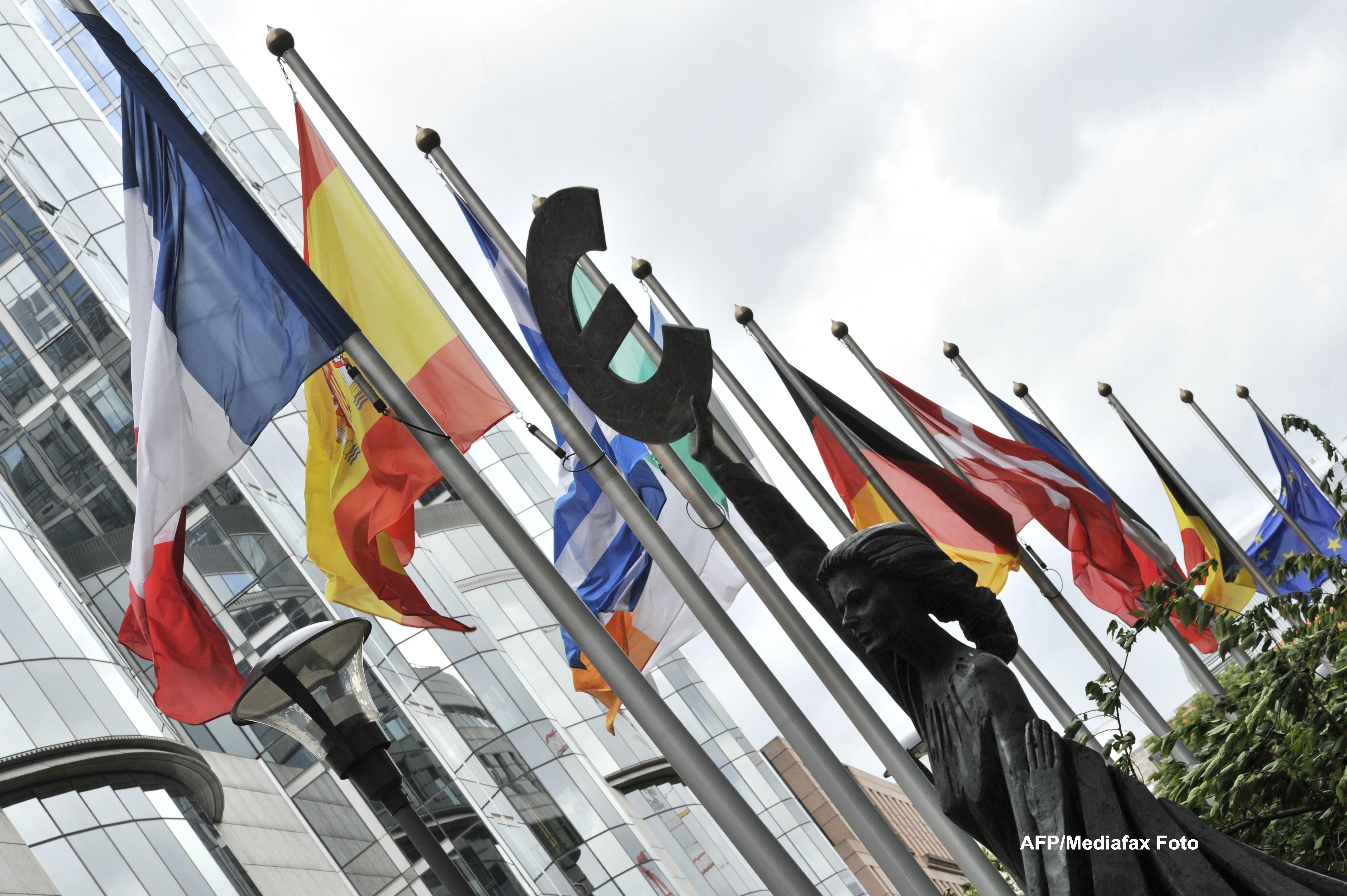 Guardian:O armata europeana si o noua democratie,doua din cele 6 proiecte propuse pentru salvarea UE