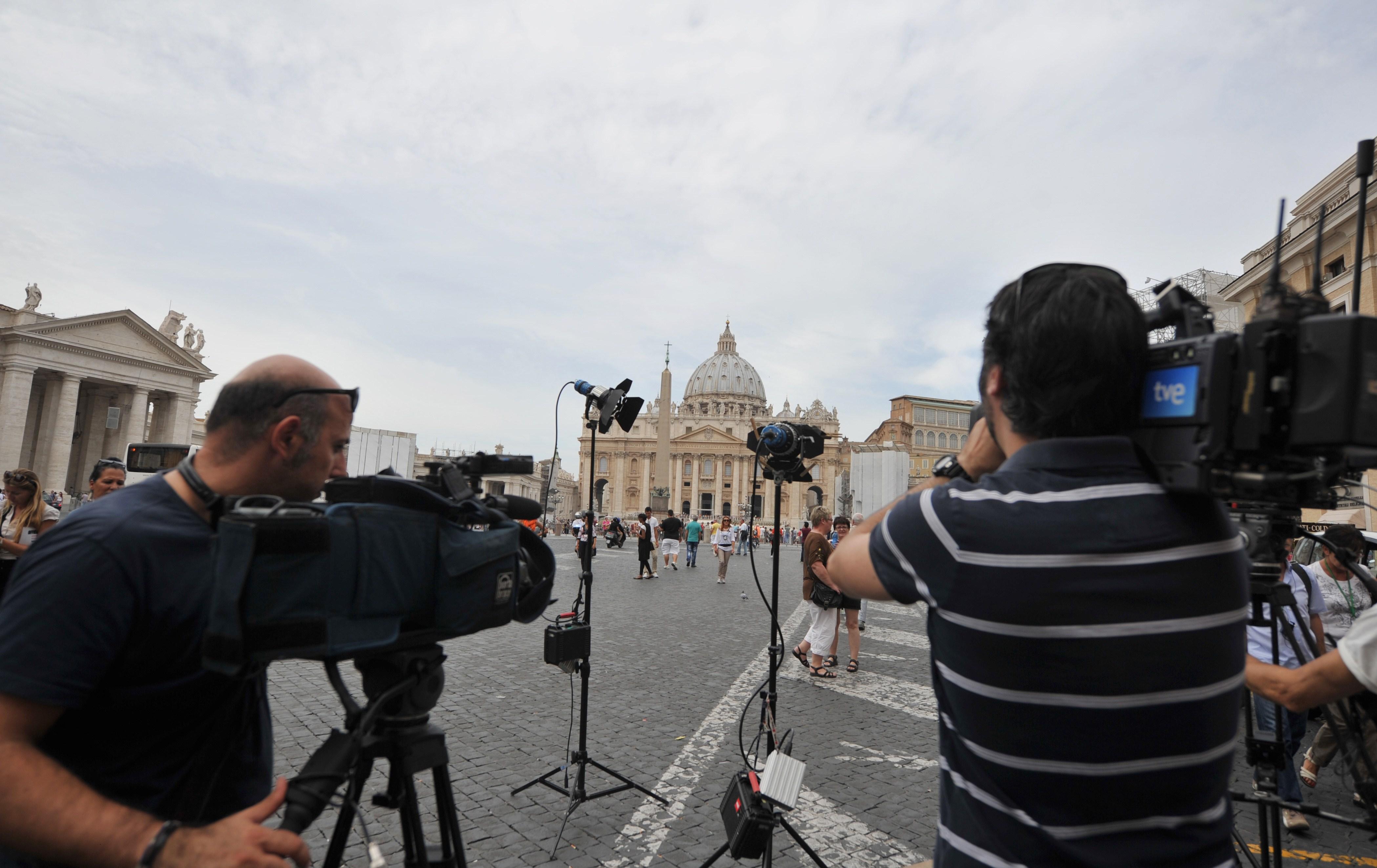 Cum se va alege noul Suveran Pontif. Decizia ar urma sa fie luata pana pe 31 martie, de Pasti
