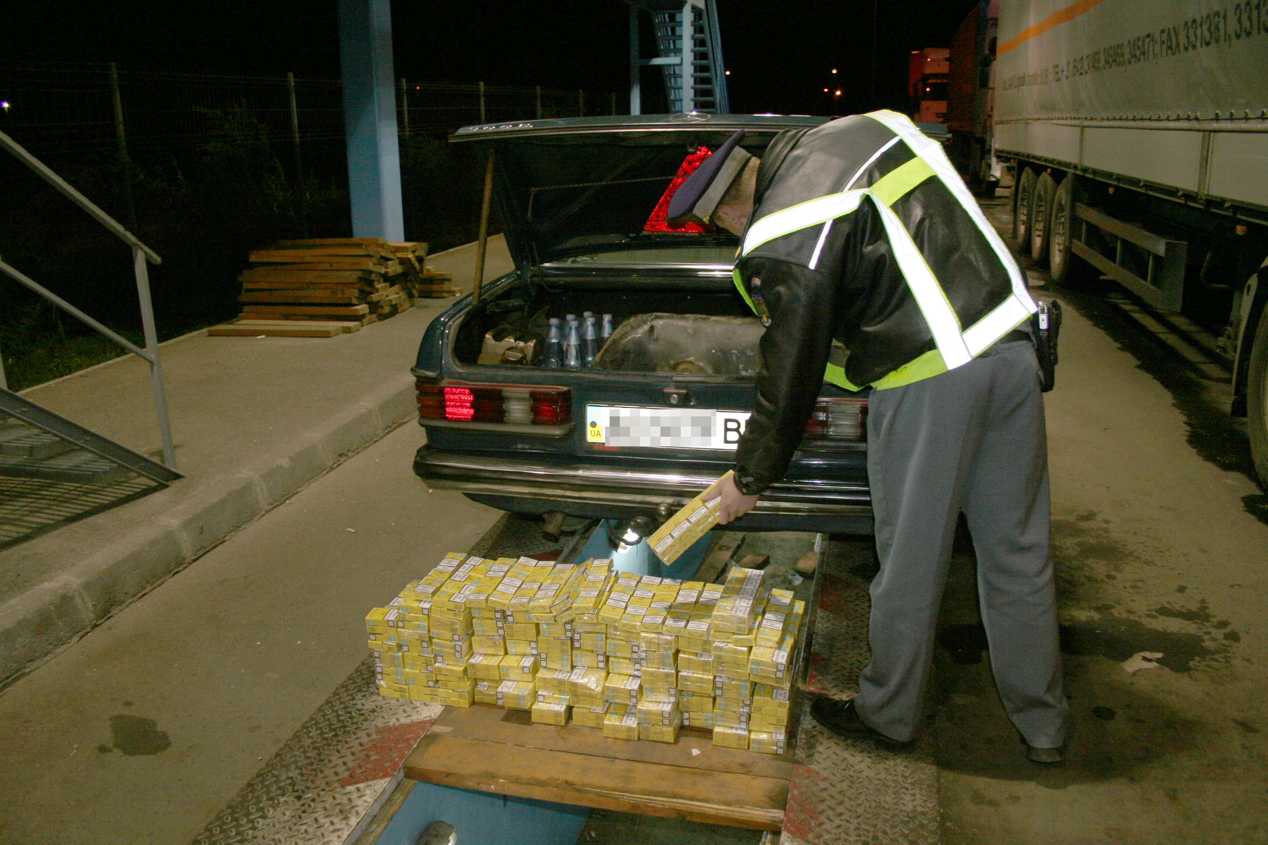 Contrabanda cu tigari, la ordinea zilei. Un ucrainean a fost prins cu 800 de pachete de tigari