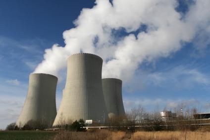 Noi survoluri suspecte deasupra unei centrale nucleare din Franta. Greenpeace acuza autoritatile ca minimalizeaza pericolul