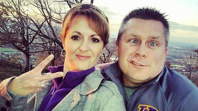 Poza zilei. Doi parinti si-au pedepsit fiica neascultatoare cu ajutorul Facebook-ului