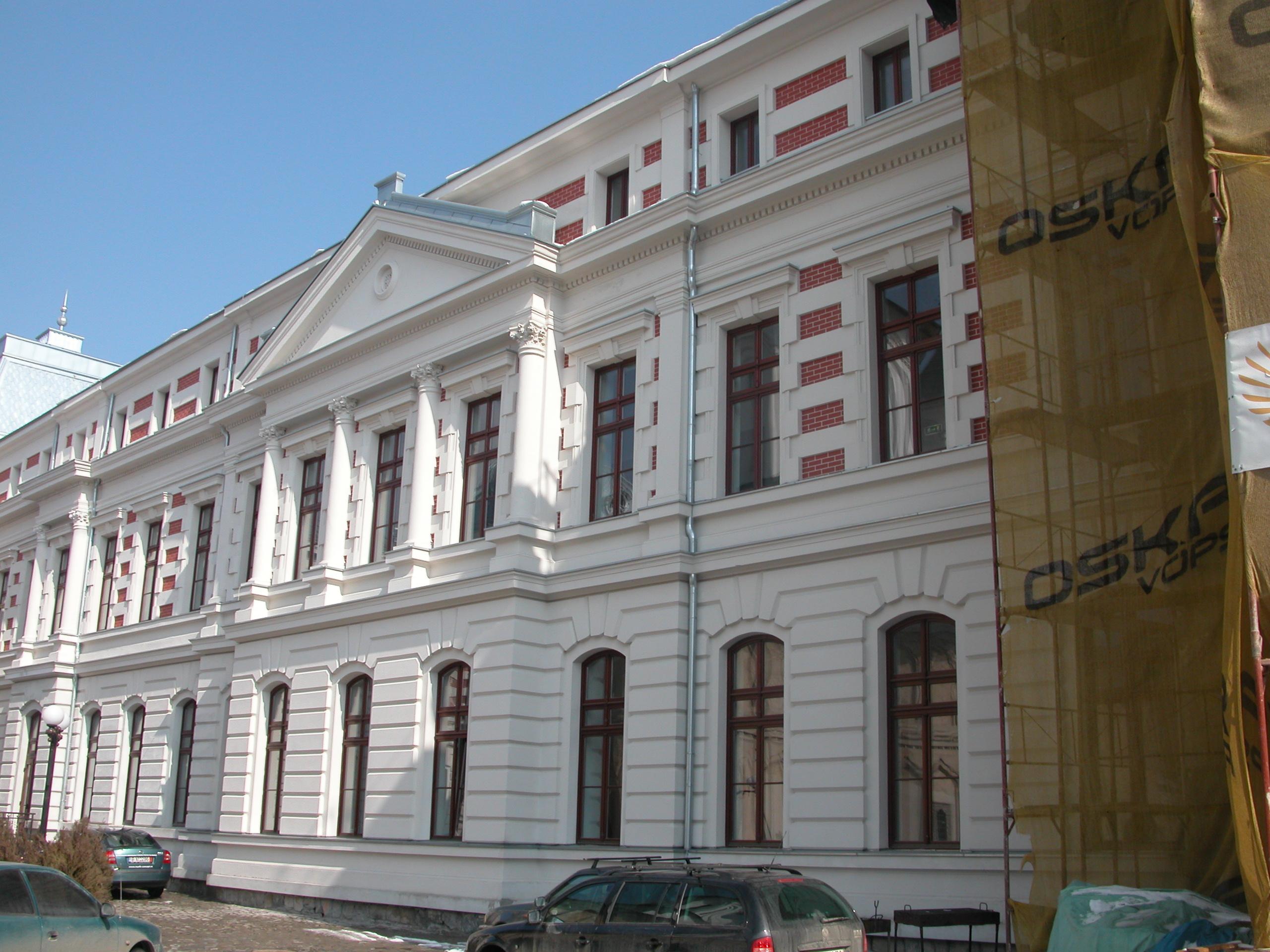 Eugen Nicolaescu: Spitalele vor fi platite in 2013, pentru prima data, in functie de clasificare