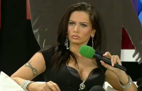 Oana Zavoranu si-a aratat sustinerea fata de Bianca Dragusanu,dupa ce s-a aflat de escapada la Paris
