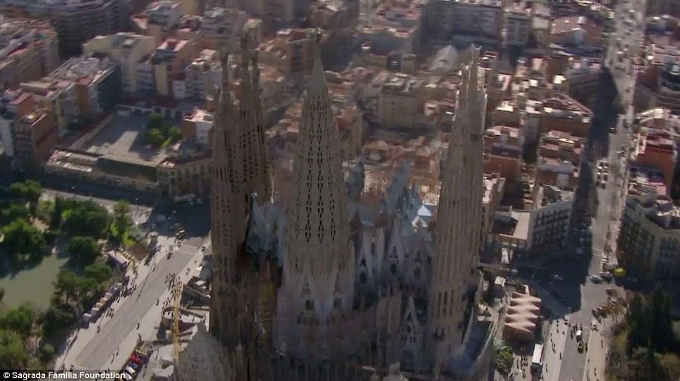 Poliția catalană a evacuat catedrala Sagrada Familia din Barcelona