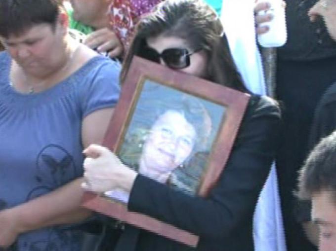 PRIMA APARITIE a Monicai Gabor in PUBLIC dupa moartea mamei sale. E incredibil cum poate sa arate