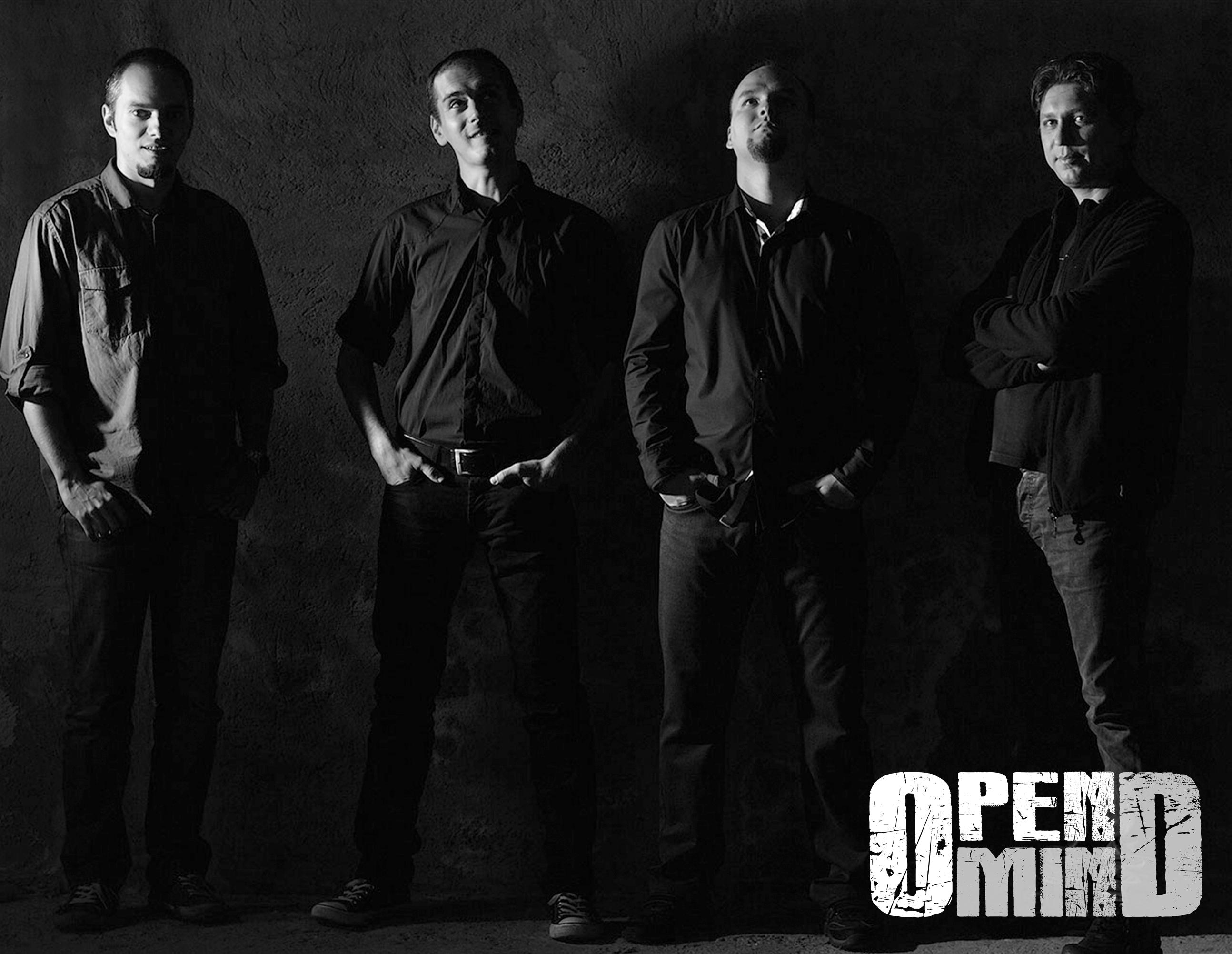 Rock progresiv romanesc de calitate. Primul concert al trupei OpenMind: 22 octombrie 2013, Club A