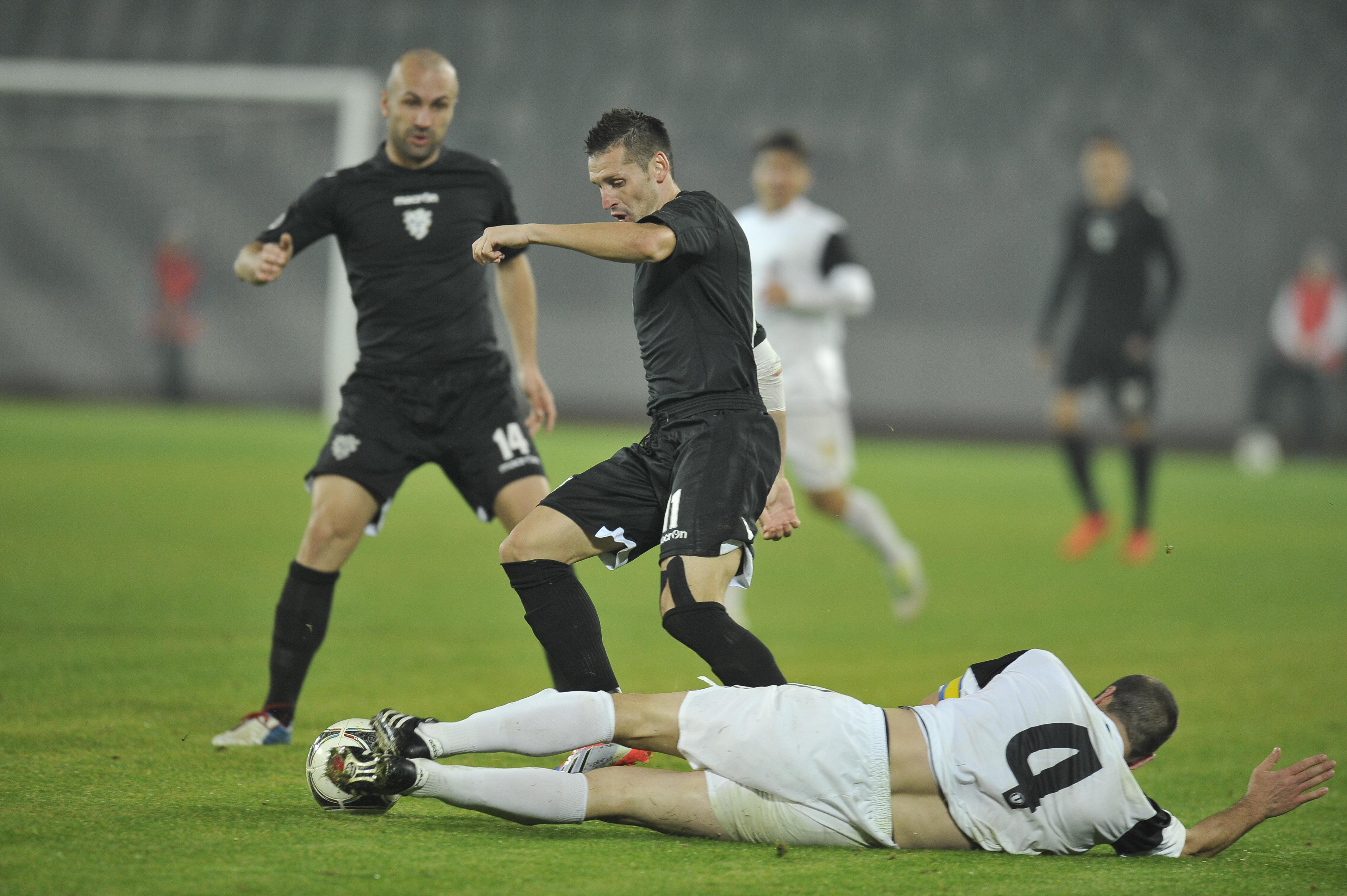 U Cluj a dat lovitura la Timisoara. Clujenii au castigat cu 2-1 contra echipei de fotbal ACS Poli
