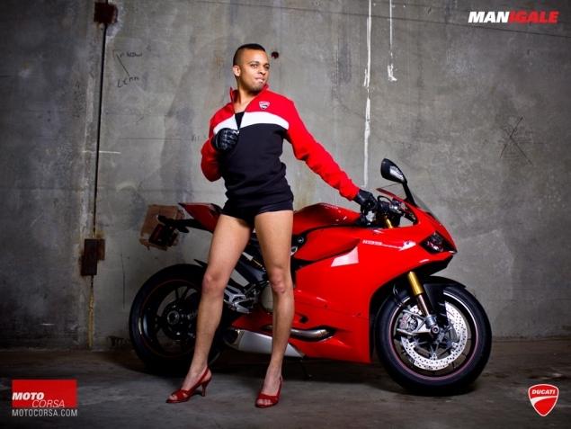 Un grup de mecanici a recreat o sedinta foto a femeilor pentru Ducati. Care a fost rezultatul