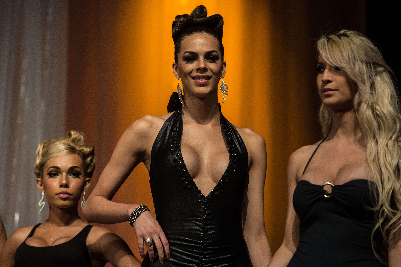 Castigatoarea Miss Transsexual Brazilia 2013, premiata cu o operatie de schimbare de sex