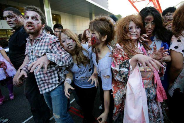O armata de 1000 de zombi, condusa de Akebono a