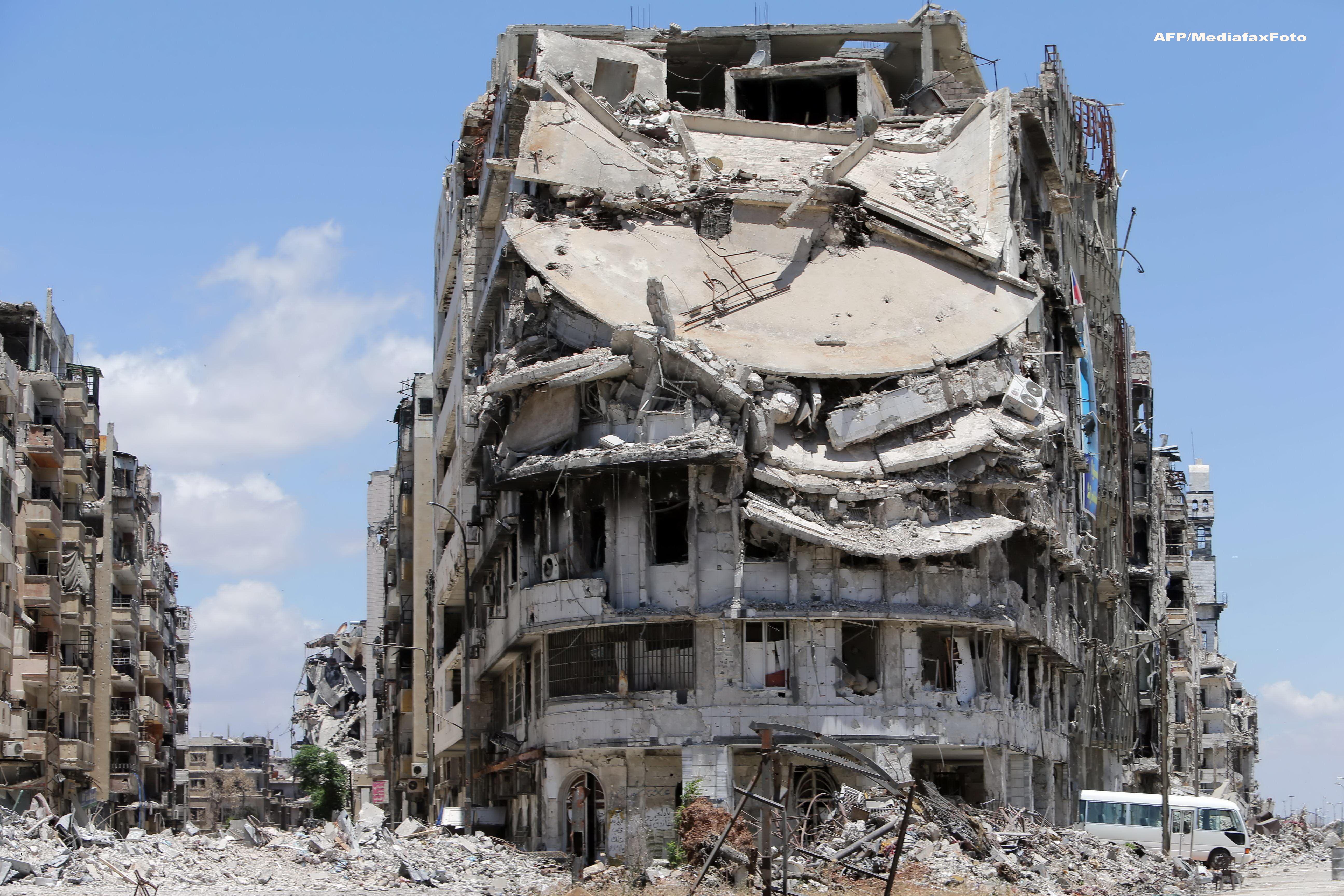 Atentate teroriste de tip kamikaze la o scoala din Siria. Cel putin 41 de COPII au fost ucisi