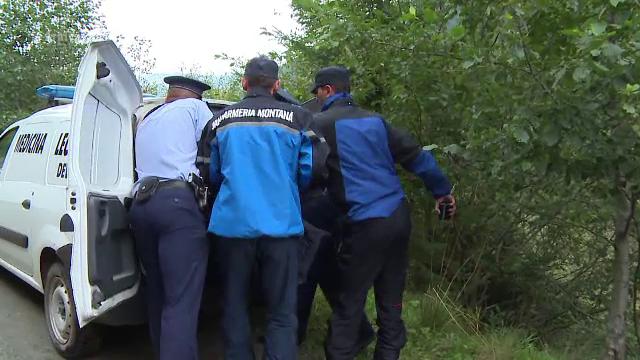 Caz complicat pentru politistii din Braila. Un cuplu a descoperit la Lacul Sarat cadavrul ars si mutilat al unei femei