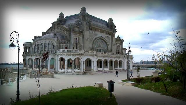 Blestemele si nepasarea tin de decenii in ruina Cazinoul din Constanta. Pariul de 10 milioane de euro pe care l-a pus statul