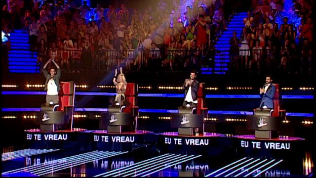 VOCEA ROMANIEI, sezonul 4, editia a 4-a a auditiilor pe nevazute. Trei concurenti au ridicat toti antrenorii in picioare