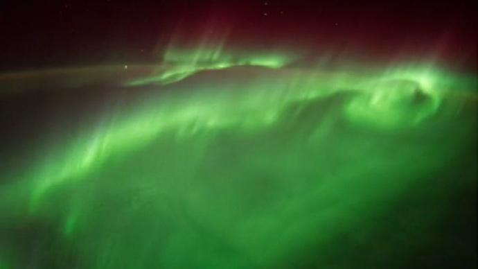 Un astronaut al NASA a postat imagini cu aurora boreala din spatiu. Cum se vad luminile nordului de pe Statia Spatiala