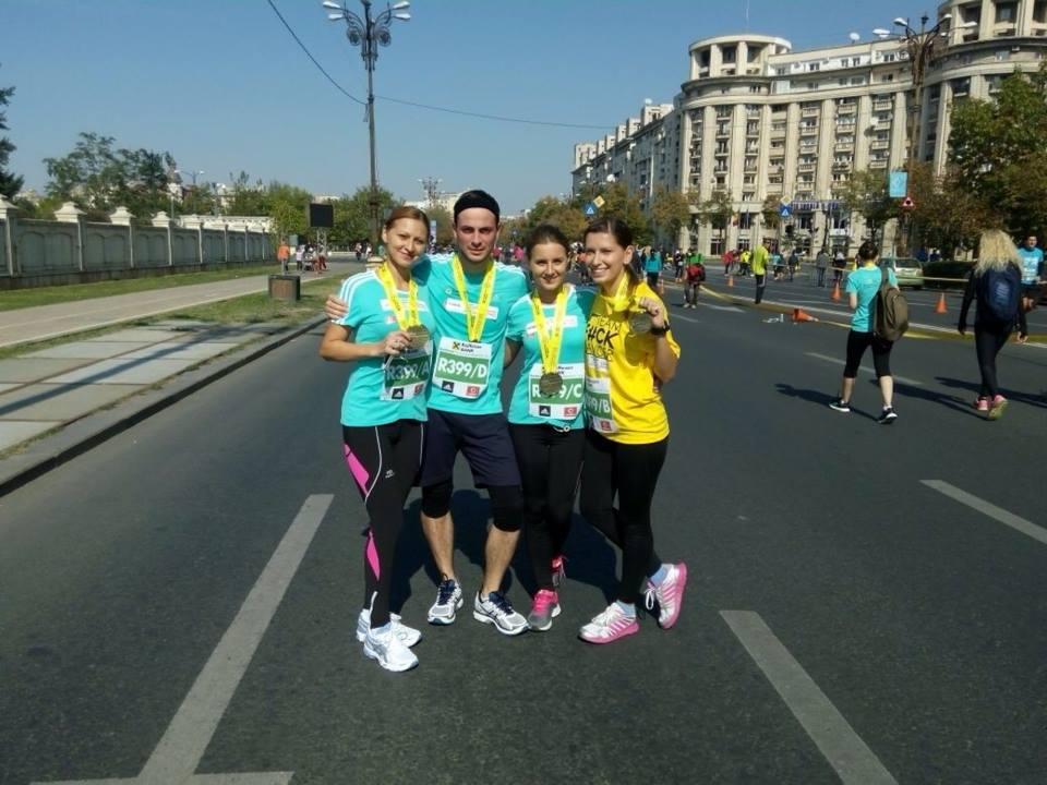 Amalia Enache, o echipa a Stirilor ProTv, Adrian Hadean si FOA au alergat pentru o cauza nobila la Maratonul International