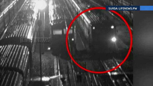 Un barbat necunoscut a furat un TREN in apropierea Moscovei. La scurt timp a lovit o alta garnitura